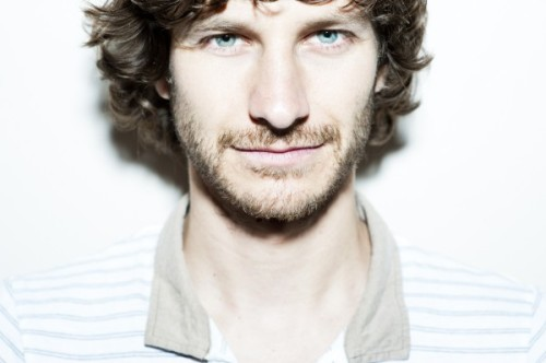 Gotye-Photo-by-Cybele-Malinowski-600x399