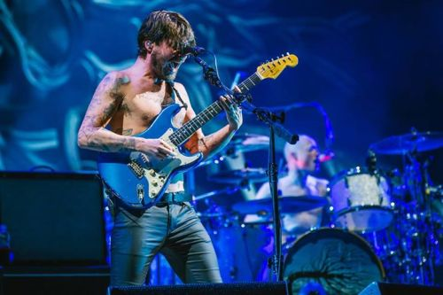 Biffy Clyro Simon Neil live
