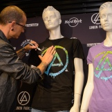 Linkin Park Unveils Hard RockÕs Signature Series: Edition 31 Merchandise